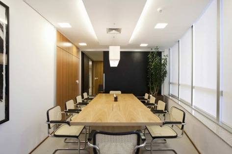 Office-Meeting-Room-Design-Inspiration-with-Modern-Wooden-Meeting-Table-Furniture-Design-Ideas-also-Beautiful-Ceiling-Style-complete-with-the-Ceiling-Lighting-Decorating-Inspiration-for-Fancy-Office-Meeting-Room-Design